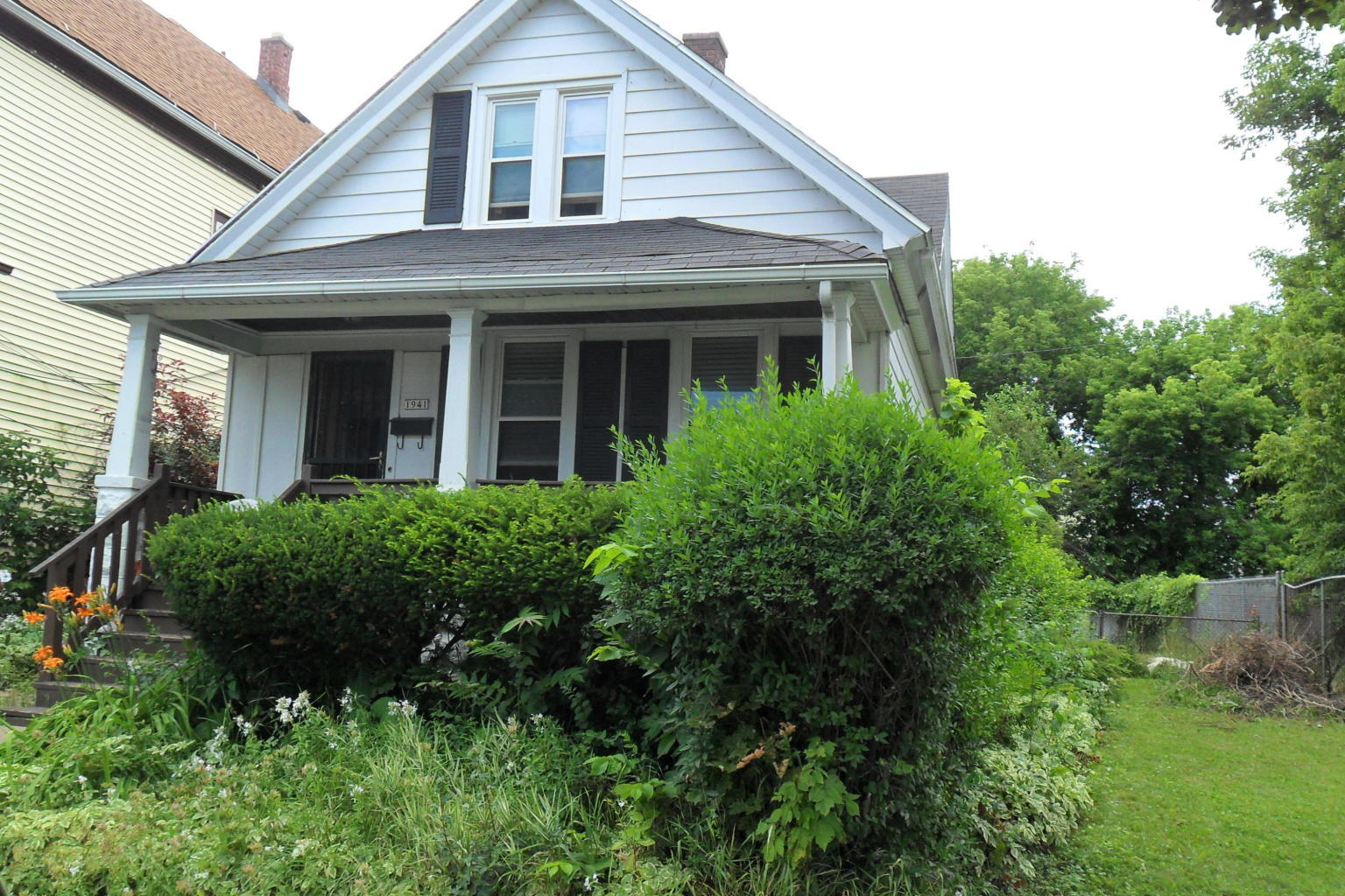 1941 21st St, Milwaukee, Wisconsin 53205, 4 Bedrooms Bedrooms, ,1 BathroomBathrooms,Single-Family,For Sale,21st St,1630840