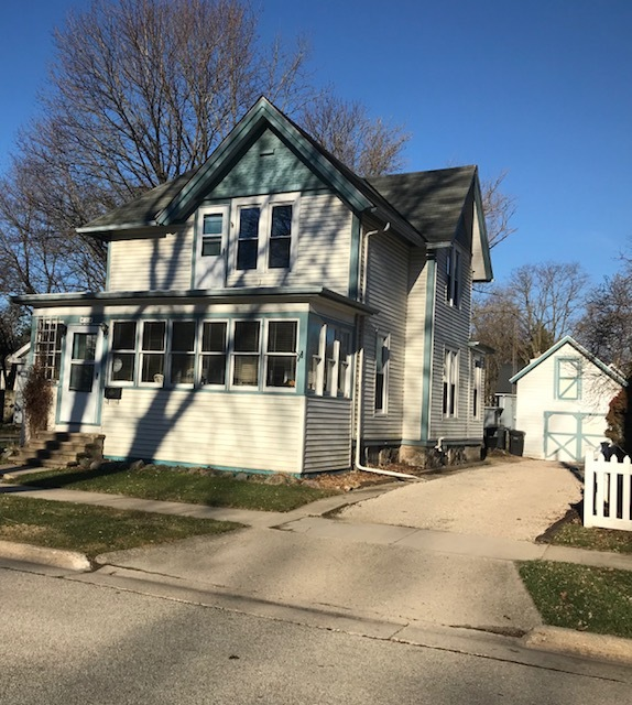 26 Park St, Oconomowoc, Wisconsin 53066, 3 Bedrooms Bedrooms, 7 Rooms Rooms,1 BathroomBathrooms,Single-Family,For Sale,Park St,1630634