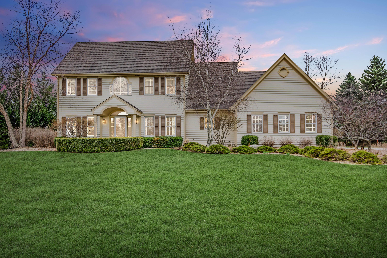 W293N3950 Round Hill Cir, Delafield, Wisconsin 53072, 4 Bedrooms Bedrooms, 14 Rooms Rooms,2 BathroomsBathrooms,Single-Family,For Sale,Round Hill Cir,1631645