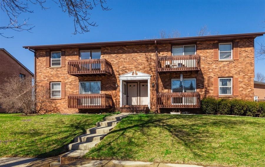 1329 Camden Way, Waukesha, Wisconsin 53186, 2 Bedrooms Bedrooms, 5 Rooms Rooms,1 BathroomBathrooms,Condominiums,For Sale,Camden Way,2,1633169