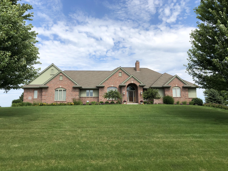 W288N932 Basque Ct, Delafield, Wisconsin 53188, 4 Bedrooms Bedrooms, ,3 BathroomsBathrooms,Single-Family,For Sale,Basque Ct,1633961
