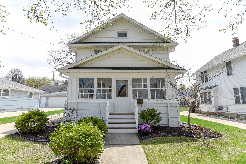 1113 Ellis St, Waukesha, Wisconsin 53186, 3 Bedrooms Bedrooms, 7 Rooms Rooms,1 BathroomBathrooms,Single-Family,For Sale,Ellis St,1633803