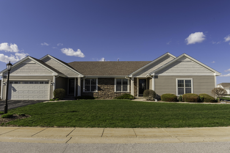 2719 Portage Cir, Waukesha, Wisconsin 53189, 2 Bedrooms Bedrooms, ,2 BathroomsBathrooms,Condominiums,For Sale,Portage Cir,1,1633848
