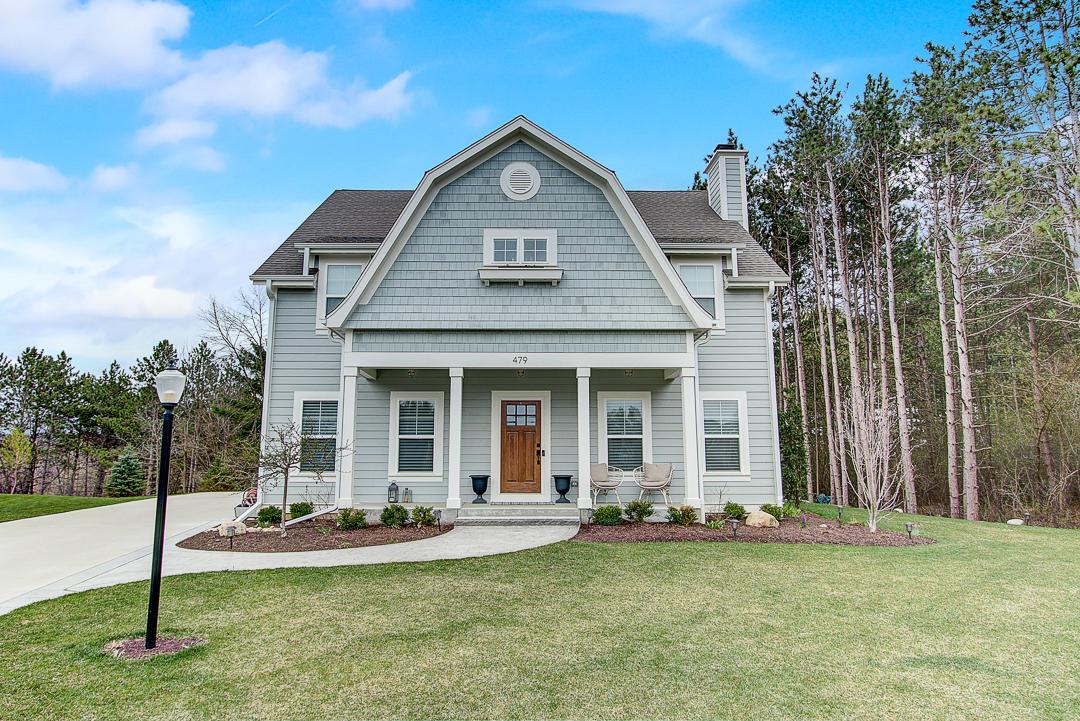 479 Park Ct, Hartland, Wisconsin 53029, 4 Bedrooms Bedrooms, 11 Rooms Rooms,4 BathroomsBathrooms,Single-Family,For Sale,Park Ct,1634552