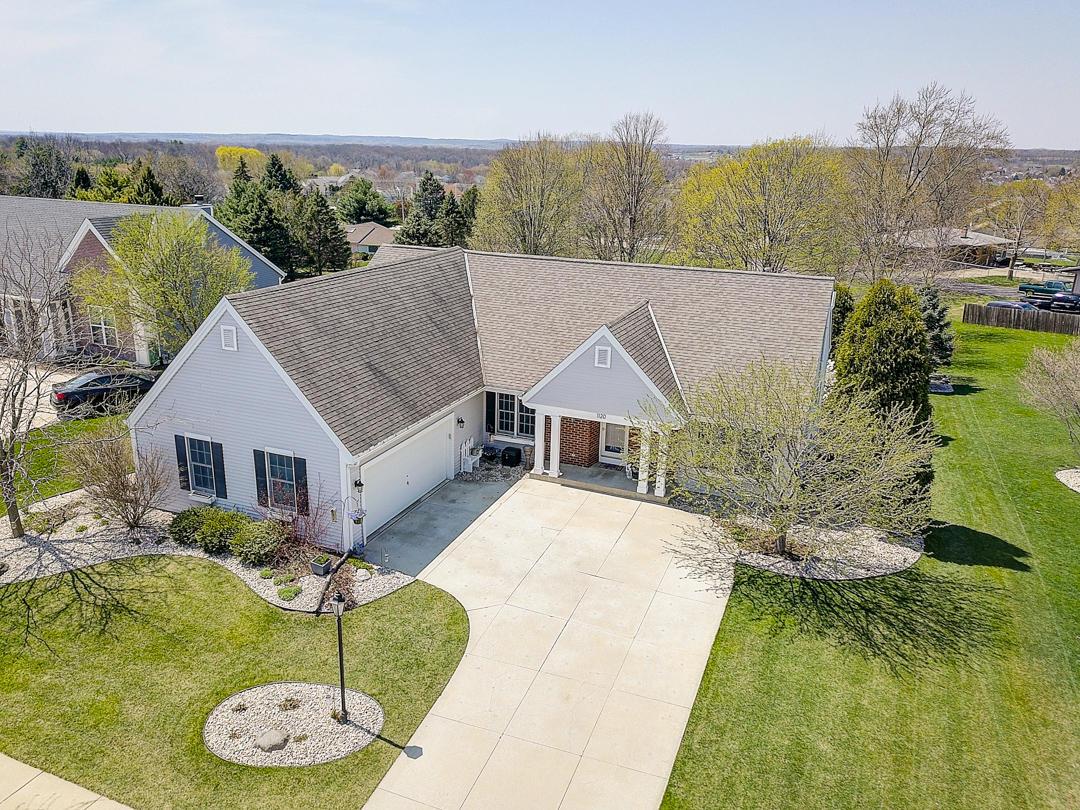 1120 Dana Ln, Waukesha, Wisconsin 53189, 4 Bedrooms Bedrooms, ,2 BathroomsBathrooms,Single-Family,For Sale,Dana Ln,1634309