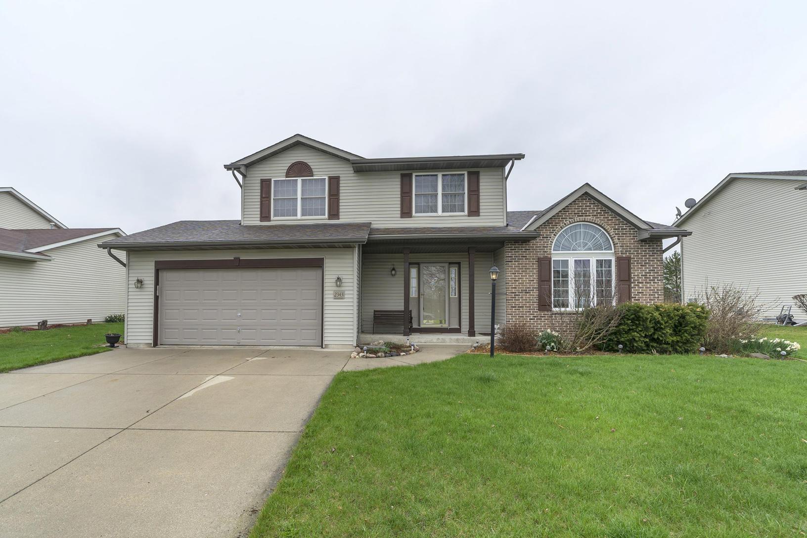 2343 Tamarack Ln, Waukesha, Wisconsin 53188, 3 Bedrooms Bedrooms, ,2 BathroomsBathrooms,Single-Family,For Sale,Tamarack Ln,1634869