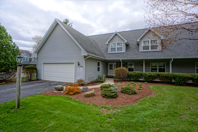 1716 Journeys Dr, Delafield, Wisconsin 53029, 3 Bedrooms Bedrooms, 8 Rooms Rooms,3 BathroomsBathrooms,Condominiums,For Sale,Journeys Dr,1,1635183