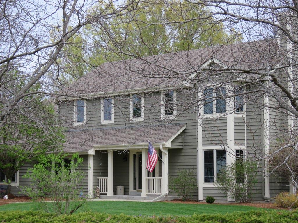 W291N3814 Round Hill Cir, Delafield, Wisconsin 53072, 3 Bedrooms Bedrooms, 12 Rooms Rooms,3 BathroomsBathrooms,Single-Family,For Sale,Round Hill Cir,1623726