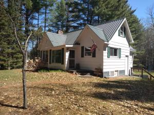 N8686 Maple Beach Rd, Middle Inlet, WI 54177