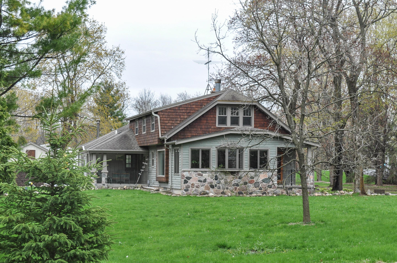 3230 Nagawicka Rd, Delafield, Wisconsin 53029, 4 Bedrooms Bedrooms, ,2 BathroomsBathrooms,Single-Family,For Sale,Nagawicka Rd,1635920
