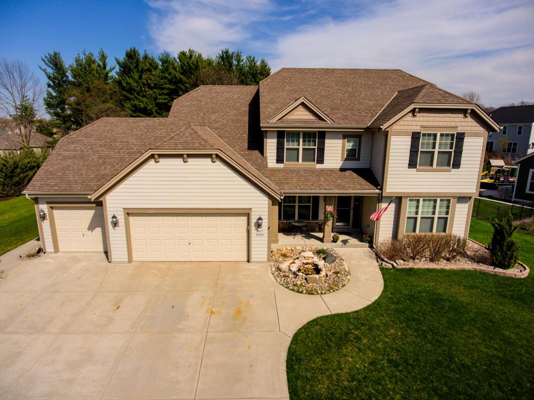 W273N2420 Arlington Ct, Pewaukee, Wisconsin 53072, 4 Bedrooms Bedrooms, 9 Rooms Rooms,2 BathroomsBathrooms,Single-Family,For Sale,Arlington Ct,1636550