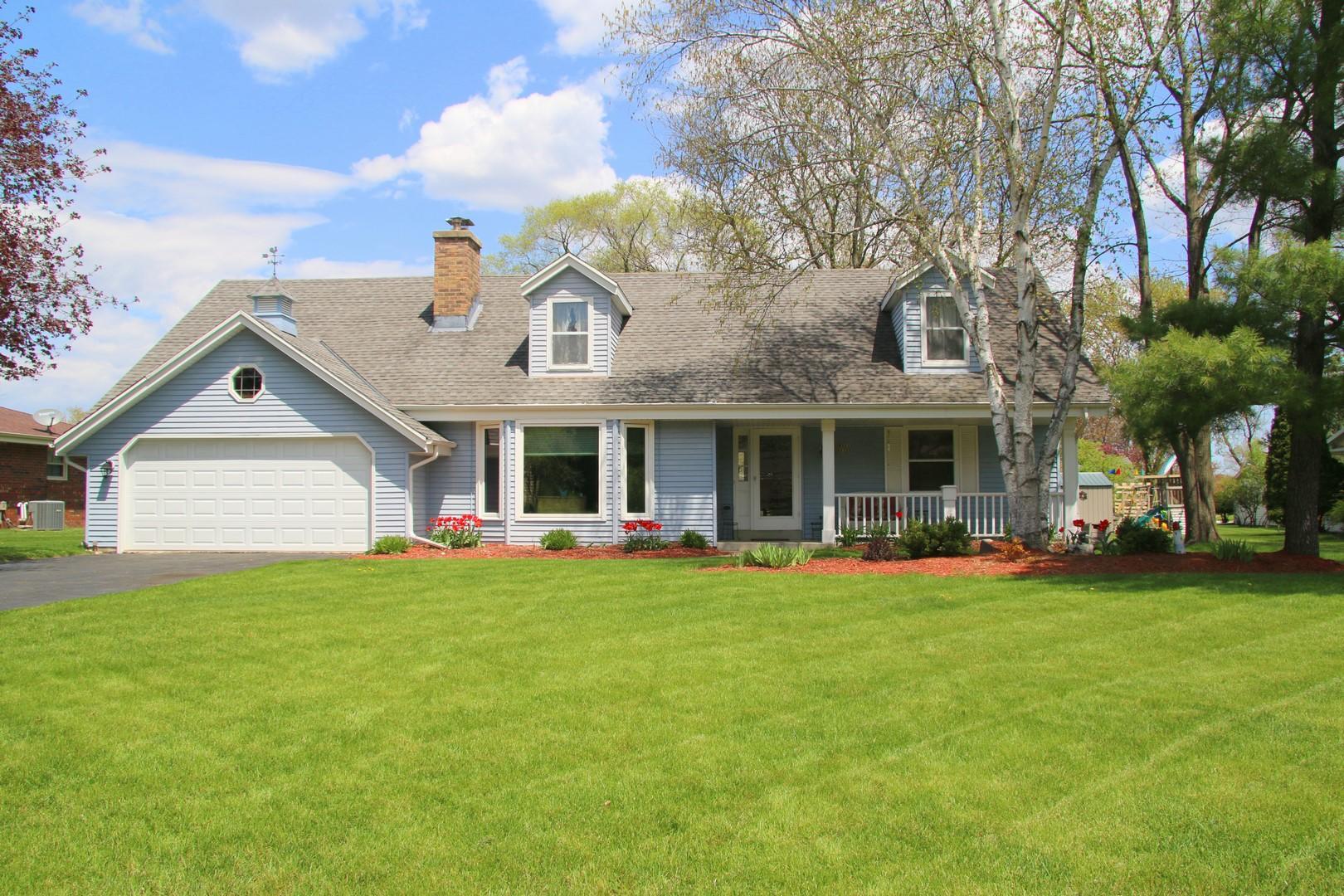 W223N2328 Meadowood Ln, Pewaukee, Wisconsin 53186, 4 Bedrooms Bedrooms, 9 Rooms Rooms,2 BathroomsBathrooms,Single-Family,For Sale,Meadowood Ln,1637326