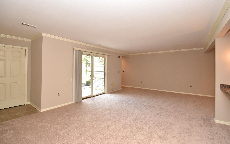 W240N2524 Parkway Meadow Cir, Pewaukee, Wisconsin 53072, 2 Bedrooms Bedrooms, 5 Rooms Rooms,2 BathroomsBathrooms,Condominiums,For Sale,Parkway Meadow Cir,1,1637911