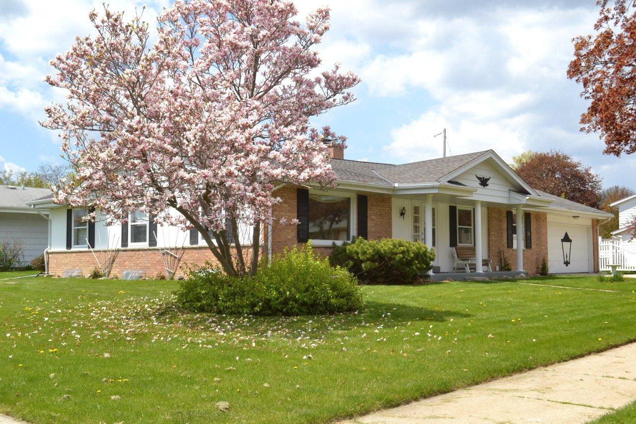8475 S Jean Ave Oak Creek Wi 53154 Home For Sale