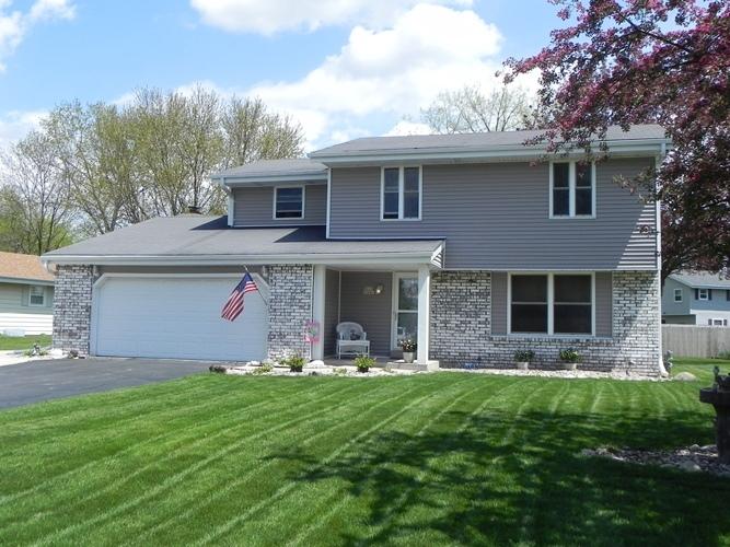 W223N2440 Glenwood Ln, Pewaukee, Wisconsin 53186, 4 Bedrooms Bedrooms, 8 Rooms Rooms,1 BathroomBathrooms,Single-Family,For Sale,Glenwood Ln,1637226