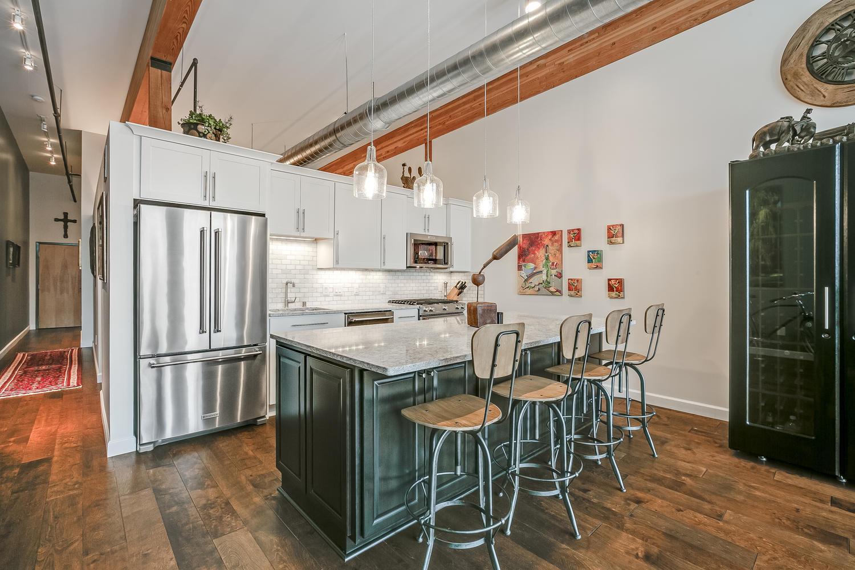 200 Water St, Milwaukee, Wisconsin 53204, 1 Bedroom Bedrooms, 3 Rooms Rooms,1 BathroomBathrooms,Condominiums,For Sale,Water St,4,1623965
