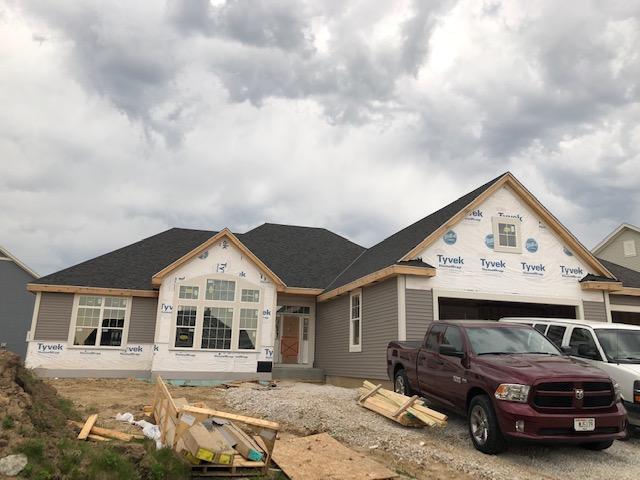 W220N4731 Woodleaf Way, Pewaukee, Wisconsin 53072, 3 Bedrooms Bedrooms, 7 Rooms Rooms,2 BathroomsBathrooms,Single-Family,For Sale,Woodleaf Way,1637345