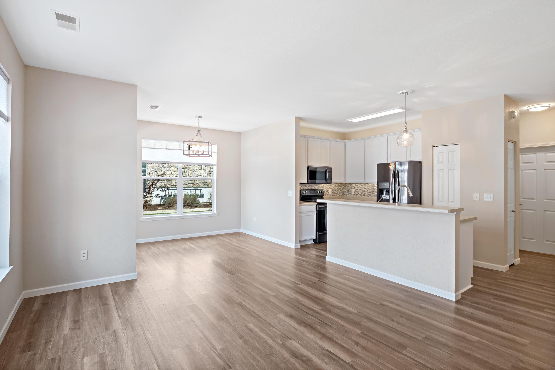 N16W26543 Meadowgrass Cir, Pewaukee, Wisconsin 53072, 1 Bedroom Bedrooms, 5 Rooms Rooms,1 BathroomBathrooms,Condominiums,For Sale,Meadowgrass Cir,1,1637535