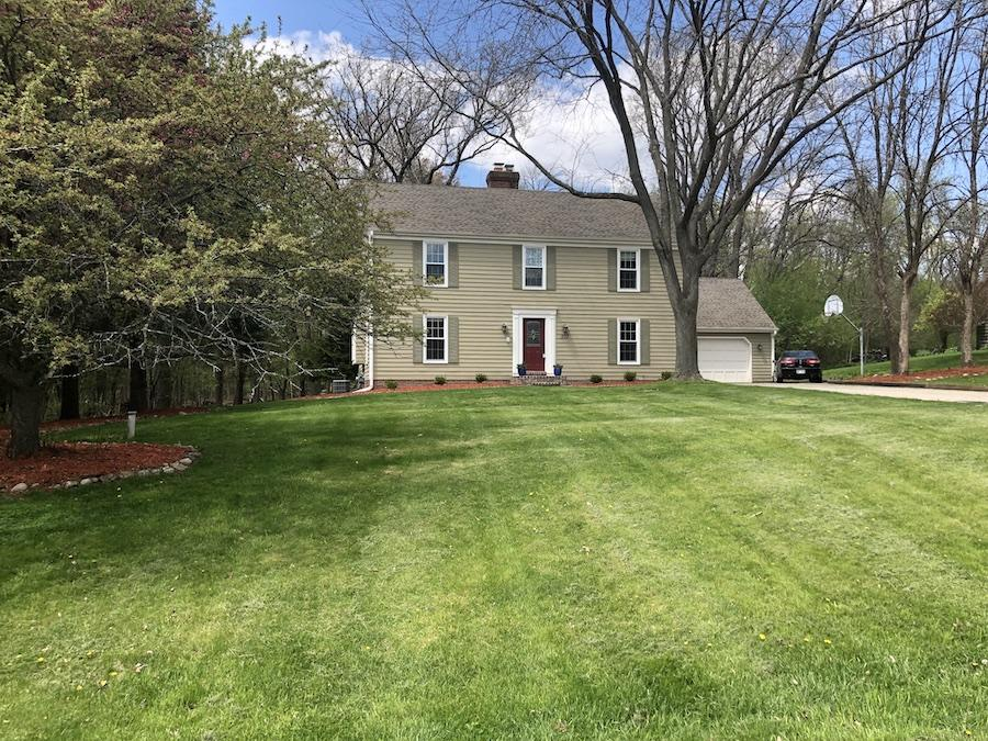 307 White Pine Rd, Delafield, Wisconsin 53018, 4 Bedrooms Bedrooms, 8 Rooms Rooms,3 BathroomsBathrooms,Single-Family,For Sale,White Pine Rd,1636827