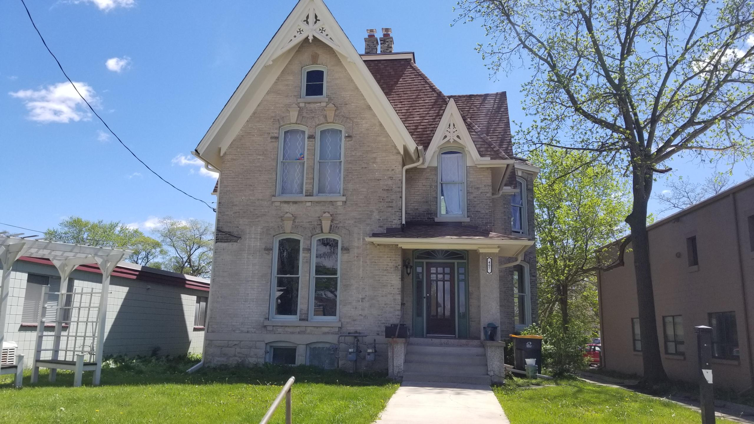 407 Grand Ave, Waukesha, Wisconsin 53186, 3 Bedrooms Bedrooms, ,1 BathroomBathrooms,Single-Family,For Sale,Grand Ave,1638596