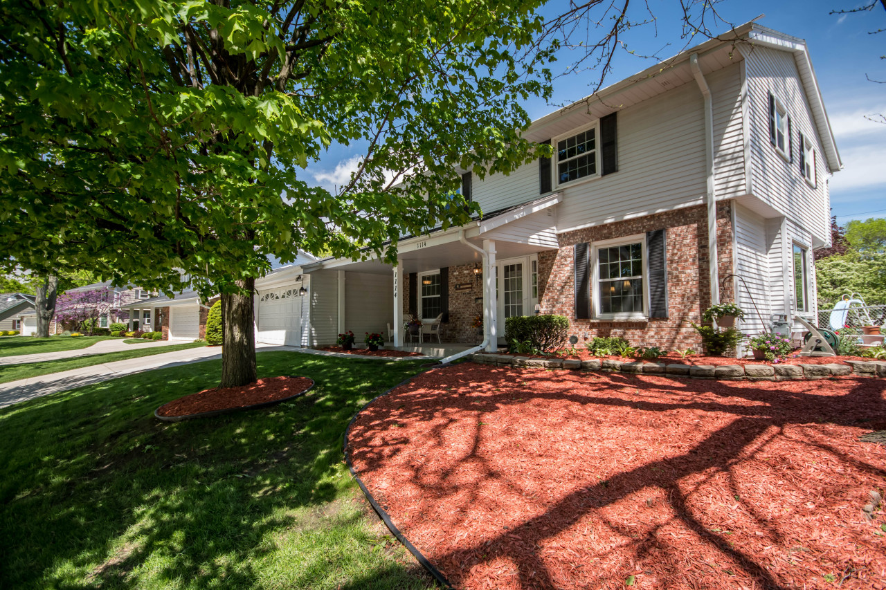 1114 Lynne Dr, Waukesha, Wisconsin 53186, 4 Bedrooms Bedrooms, ,2 BathroomsBathrooms,Single-Family,For Sale,Lynne Dr,1638626