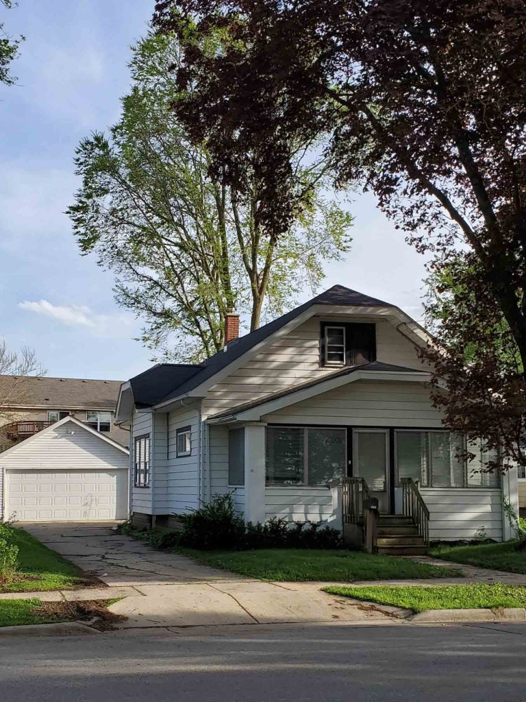 1137 Motor Ave, Waukesha, Wisconsin 53188, 3 Bedrooms Bedrooms, 6 Rooms Rooms,1 BathroomBathrooms,Single-Family,For Sale,Motor Ave,1638450