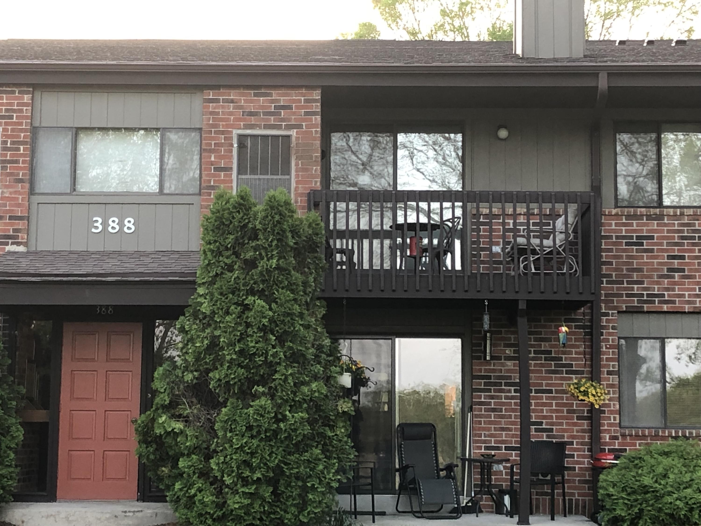 388 Park Hill Dr, Pewaukee, Wisconsin 53072, 2 Bedrooms Bedrooms, 5 Rooms Rooms,2 BathroomsBathrooms,Condominiums,For Sale,Park Hill Dr,2,1638930