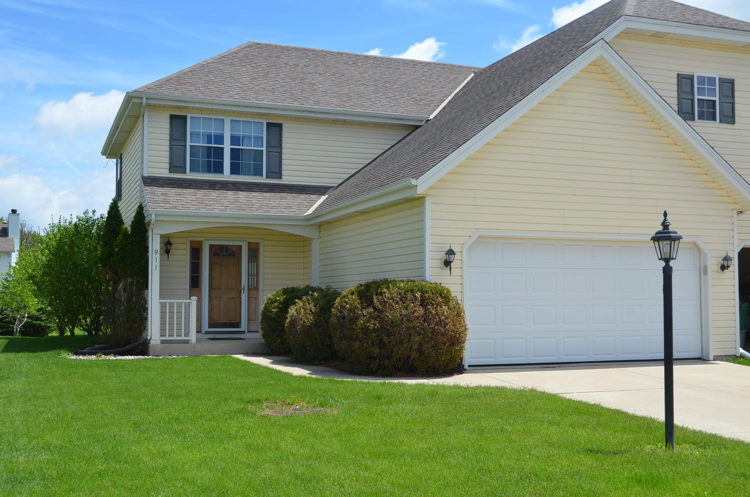 911 Spring Waters Dr, Oconomowoc, Wisconsin 53066, 3 Bedrooms Bedrooms, 7 Rooms Rooms,2 BathroomsBathrooms,Condominiums,For Sale,Spring Waters Dr,1,1639017