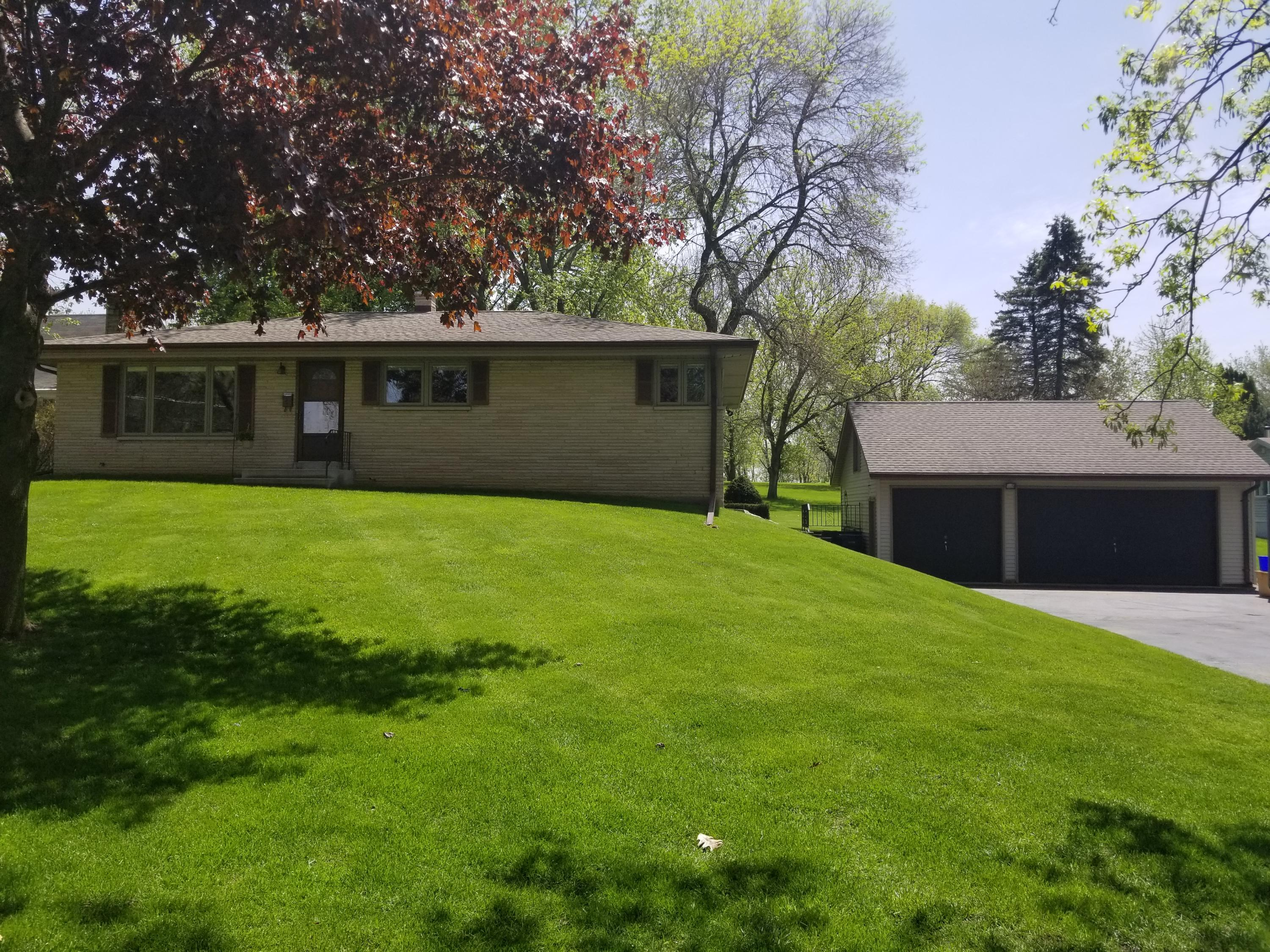 614 Wisconsin Ave, Pewaukee, Wisconsin 53072, 3 Bedrooms Bedrooms, 7 Rooms Rooms,1 BathroomBathrooms,Single-Family,For Sale,Wisconsin Ave,1639072