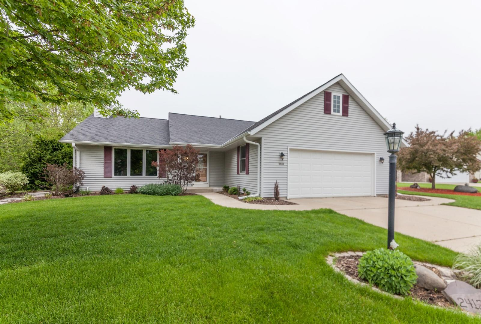 2412 Tanager Ct, Waukesha, Wisconsin 53189, 3 Bedrooms Bedrooms, ,3 BathroomsBathrooms,Single-Family,For Sale,Tanager Ct,1639419