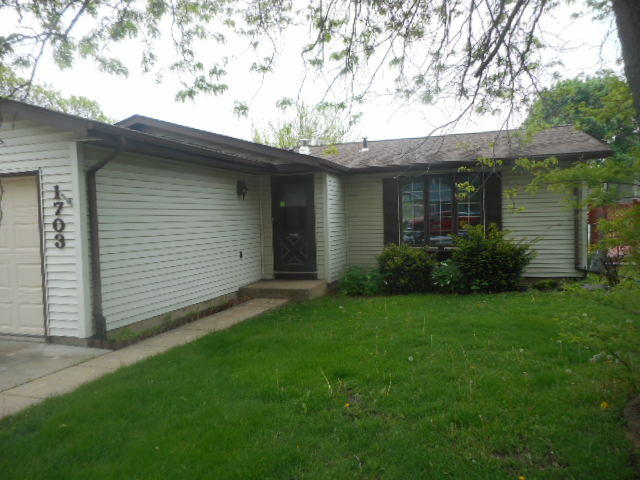 1703 Madison St, Waukesha, Wisconsin 53188, 3 Bedrooms Bedrooms, 5 Rooms Rooms,1 BathroomBathrooms,Single-Family,For Sale,Madison St,1639378