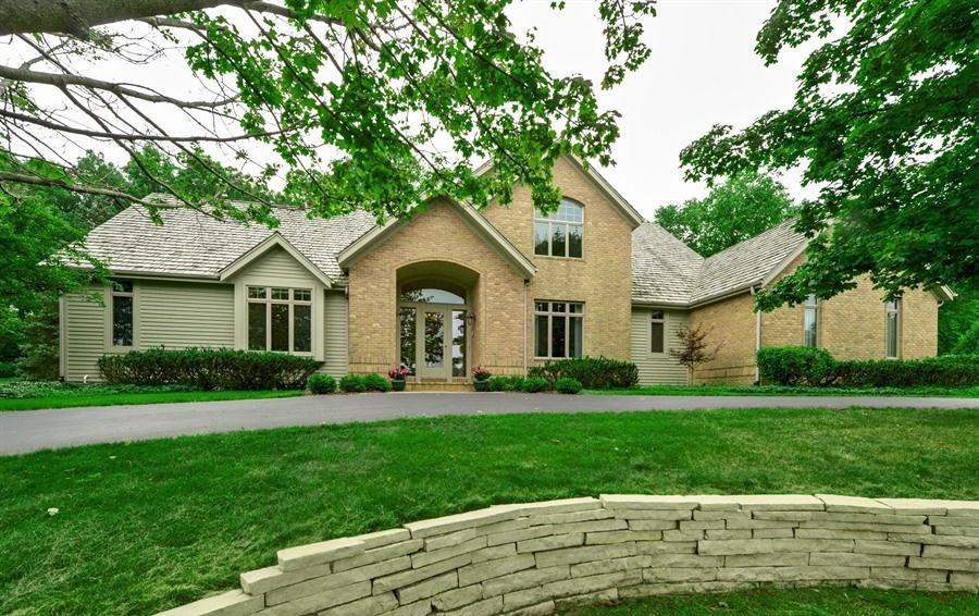 N17W30595 Woodland Hill Dr, Delafield, Wisconsin 53018, 4 Bedrooms Bedrooms, 9 Rooms Rooms,2 BathroomsBathrooms,Single-Family,For Sale,Woodland Hill Dr,1630021