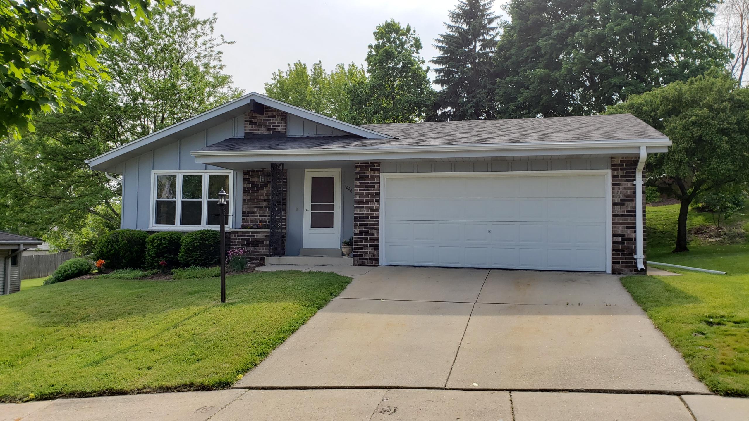 1030 Macarthur Ct, Waukesha, Wisconsin 53188, 3 Bedrooms Bedrooms, ,1 BathroomBathrooms,Single-Family,For Sale,Macarthur Ct,1641234