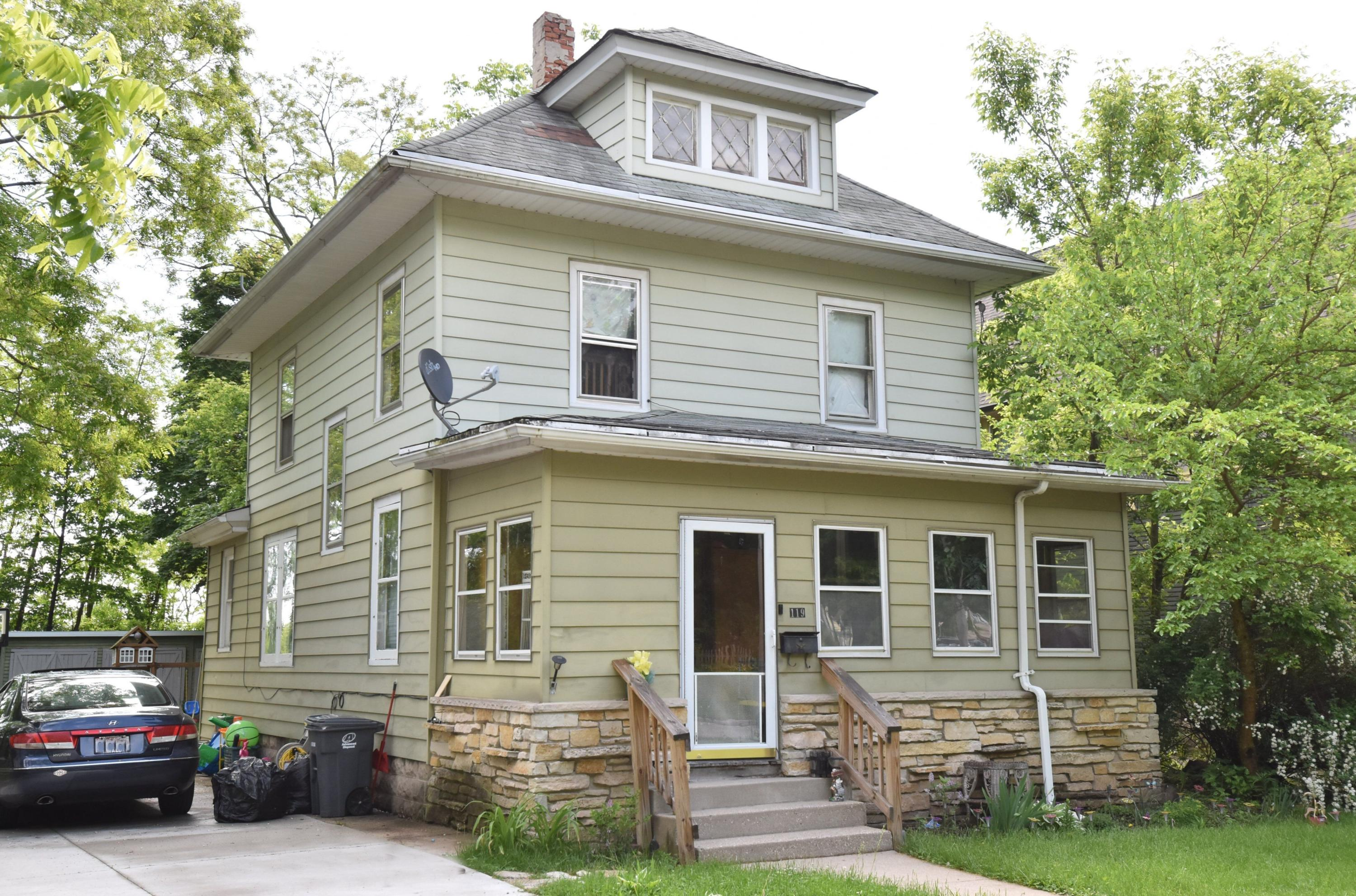 119 Randall St, Waukesha, Wisconsin 53188, 3 Bedrooms Bedrooms, ,1 BathroomBathrooms,Single-Family,For Sale,Randall St,1641241