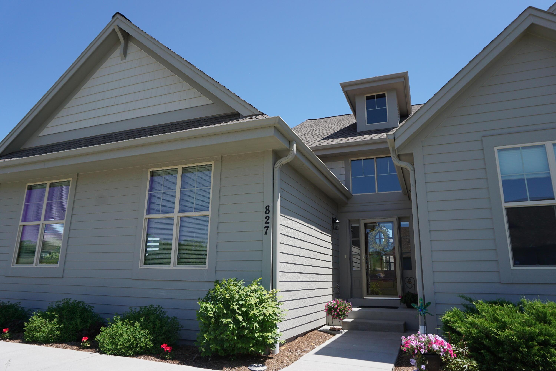 827 Conifer Ct, Waukesha, Wisconsin 53188, 2 Bedrooms Bedrooms, ,2 BathroomsBathrooms,Condominiums,For Sale,Conifer Ct,1,1642005