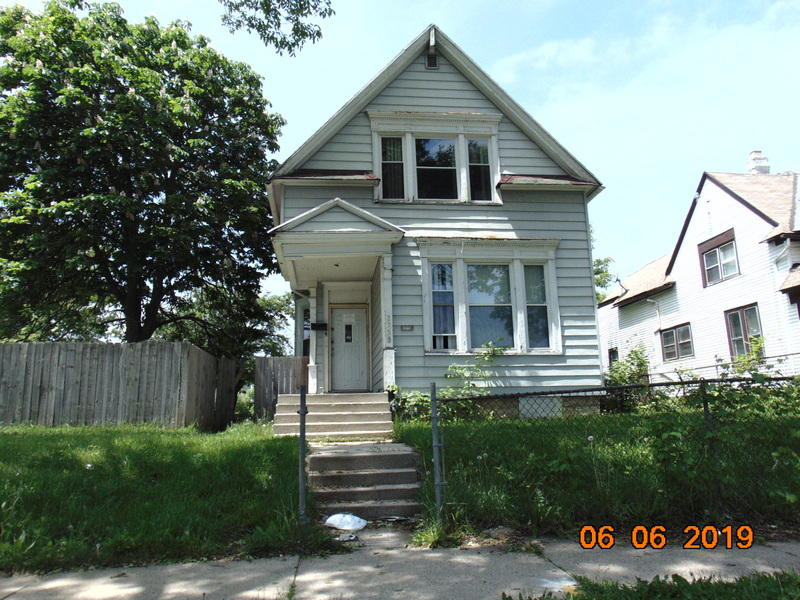 2759 26th St, Milwaukee, Wisconsin 53206, 5 Bedrooms Bedrooms, 7 Rooms Rooms,1 BathroomBathrooms,Single-Family,For Sale,26th St,1625520