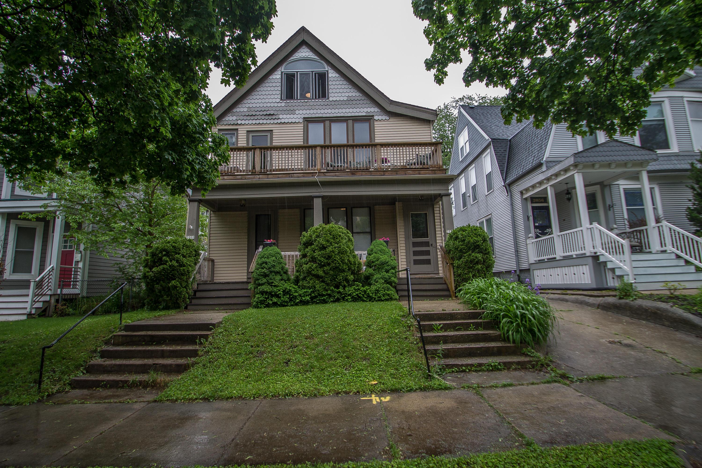 2058 Cambridge Ave, Milwaukee, Wisconsin 53202, 2 Bedrooms Bedrooms, 6 Rooms Rooms,1 BathroomBathrooms,Two-Family,For Sale,Cambridge Ave,1,1642684