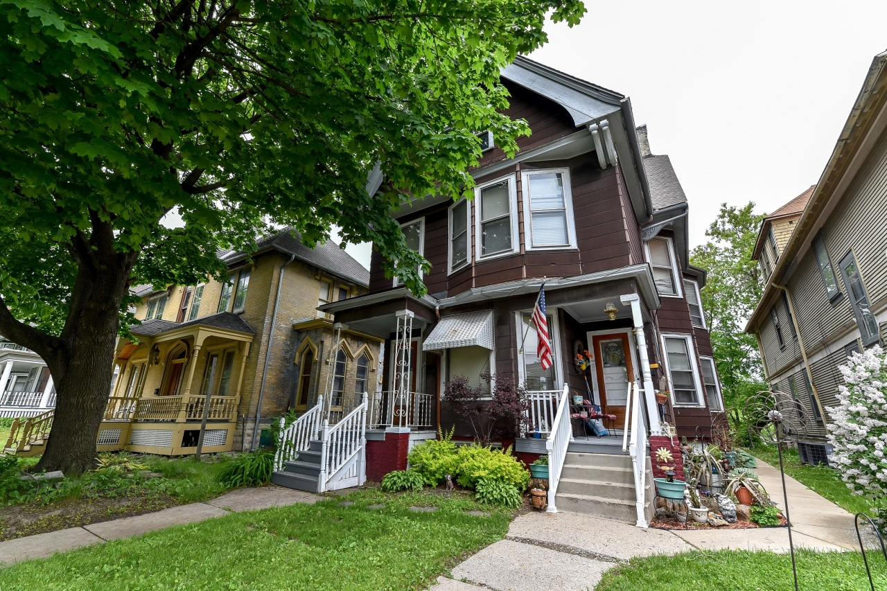 2706 State St, Milwaukee, Wisconsin 53208, 3 Bedrooms Bedrooms, 6 Rooms Rooms,2 BathroomsBathrooms,Two-Family,For Sale,State St,2,1642505
