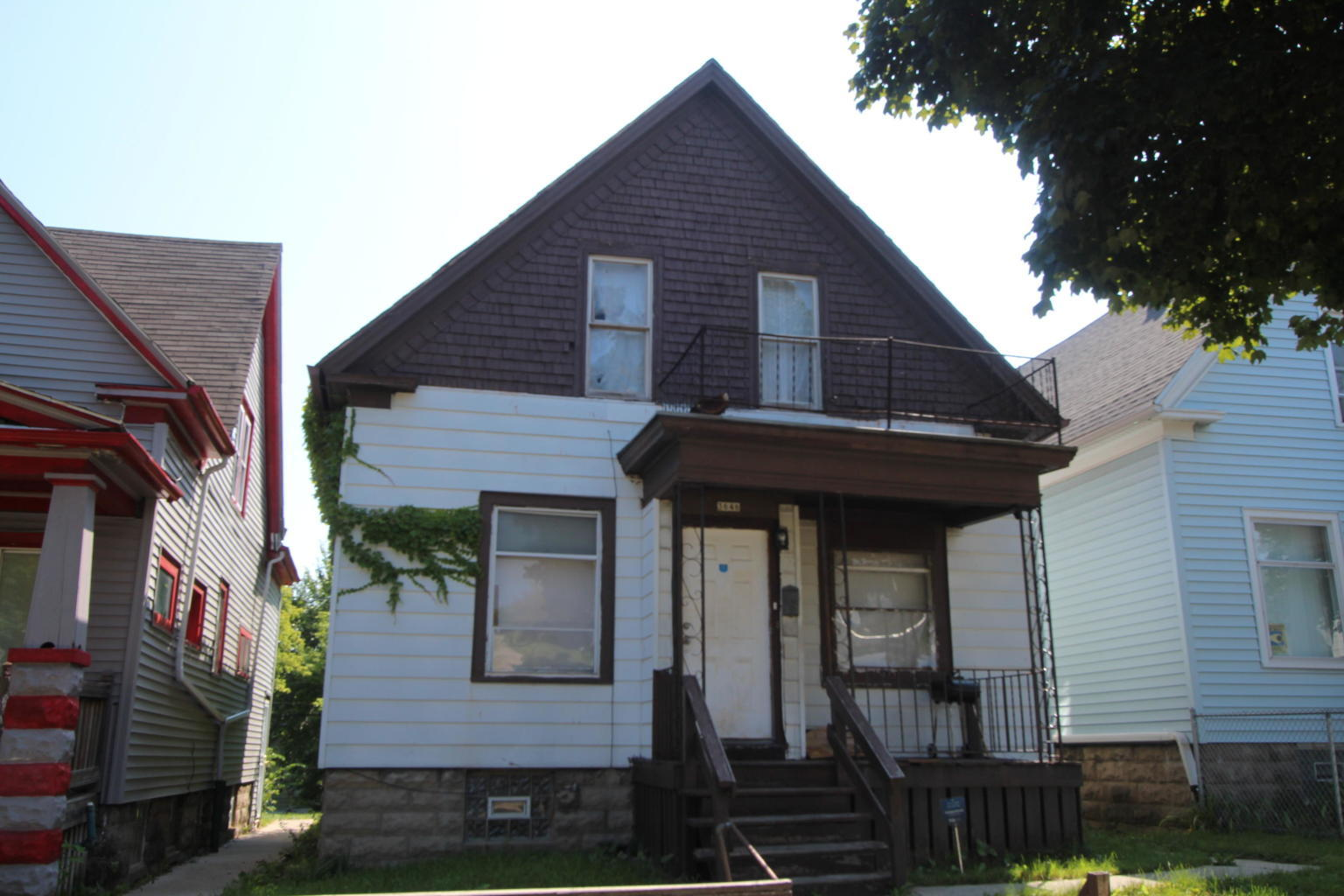3646 6th St, Milwaukee, Wisconsin 53212, 4 Bedrooms Bedrooms, ,1 BathroomBathrooms,Single-Family,For Sale,6th St,1643416