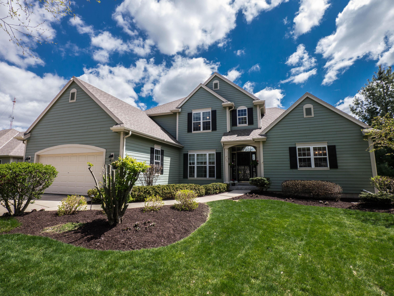 728 Winston Way, Hartland, Wisconsin 53029, 5 Bedrooms Bedrooms, 10 Rooms Rooms,3 BathroomsBathrooms,Single-Family,For Sale,Winston Way,1642979