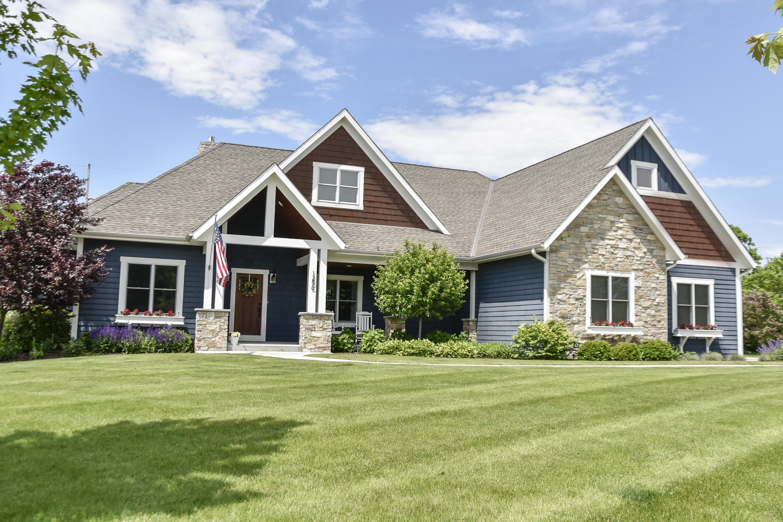 1256 Mary Hill Cir, Hartland, Wisconsin 53029, 5 Bedrooms Bedrooms, ,4 BathroomsBathrooms,Single-Family,For Sale,Mary Hill Cir,1643011