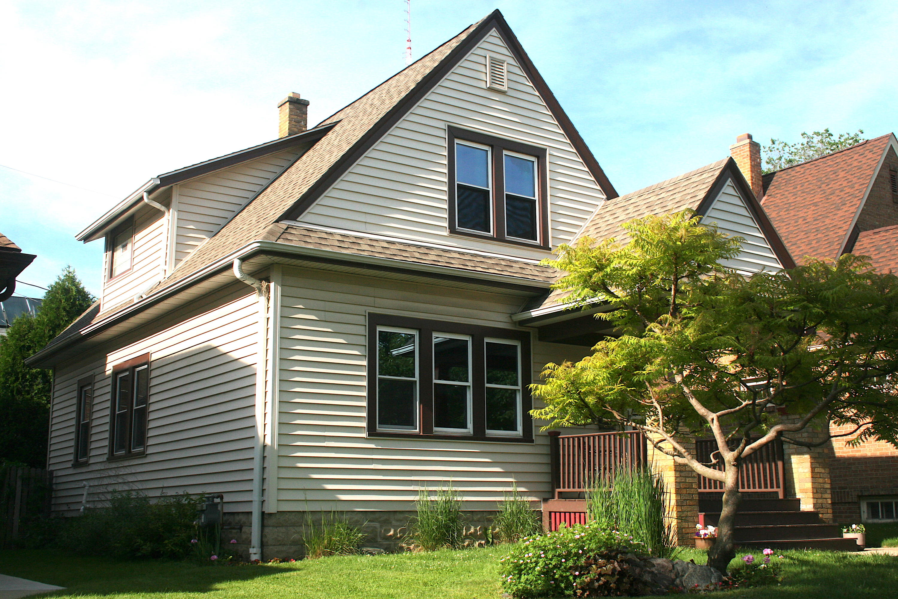 5528 Notre Dame Ct, Milwaukee, Wisconsin 53208, 3 Bedrooms Bedrooms, 6 Rooms Rooms,1 BathroomBathrooms,Single-Family,For Sale,Notre Dame Ct,1643479