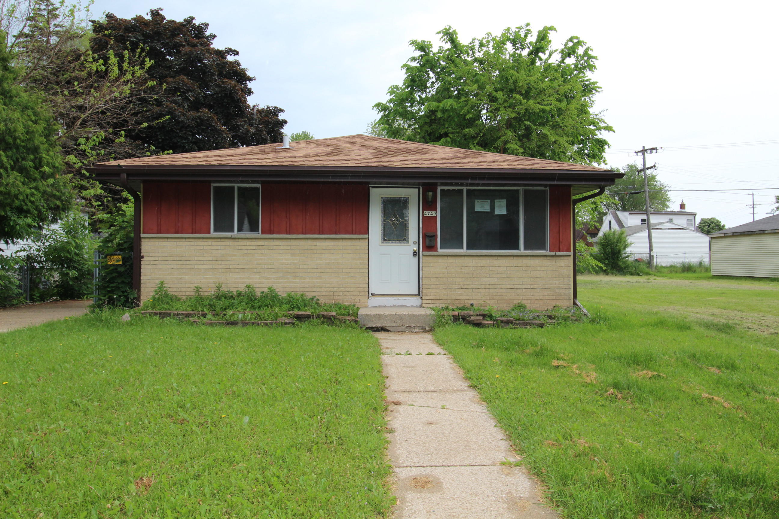 4749 49th St, Milwaukee, Wisconsin 53218, 3 Bedrooms Bedrooms, 5 Rooms Rooms,2 BathroomsBathrooms,Single-Family,For Sale,49th St,1643488