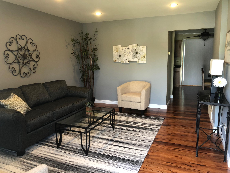9492 Green Bay Rd, Brown Deer, Wisconsin 53209, 2 Bedrooms Bedrooms, 5 Rooms Rooms,1 BathroomBathrooms,Condominiums,For Sale,Green Bay Rd,1,1643509