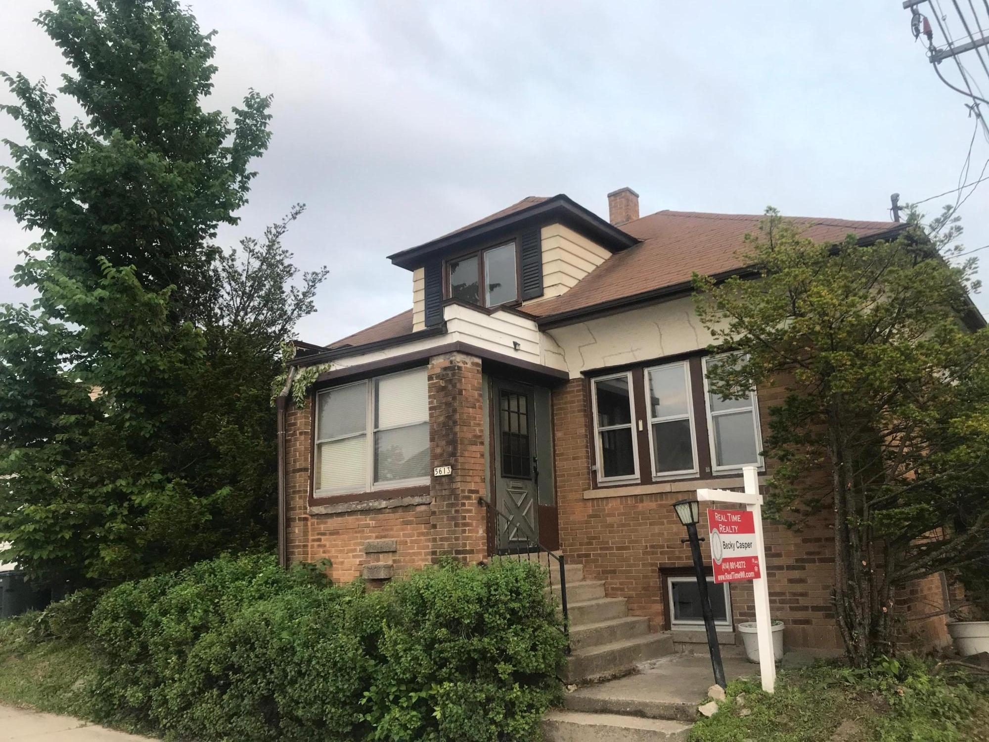 5613 Greenfield Ave, West Allis, Wisconsin 53214, 3 Bedrooms Bedrooms, ,1 BathroomBathrooms,Single-Family,For Sale,Greenfield Ave,1643522