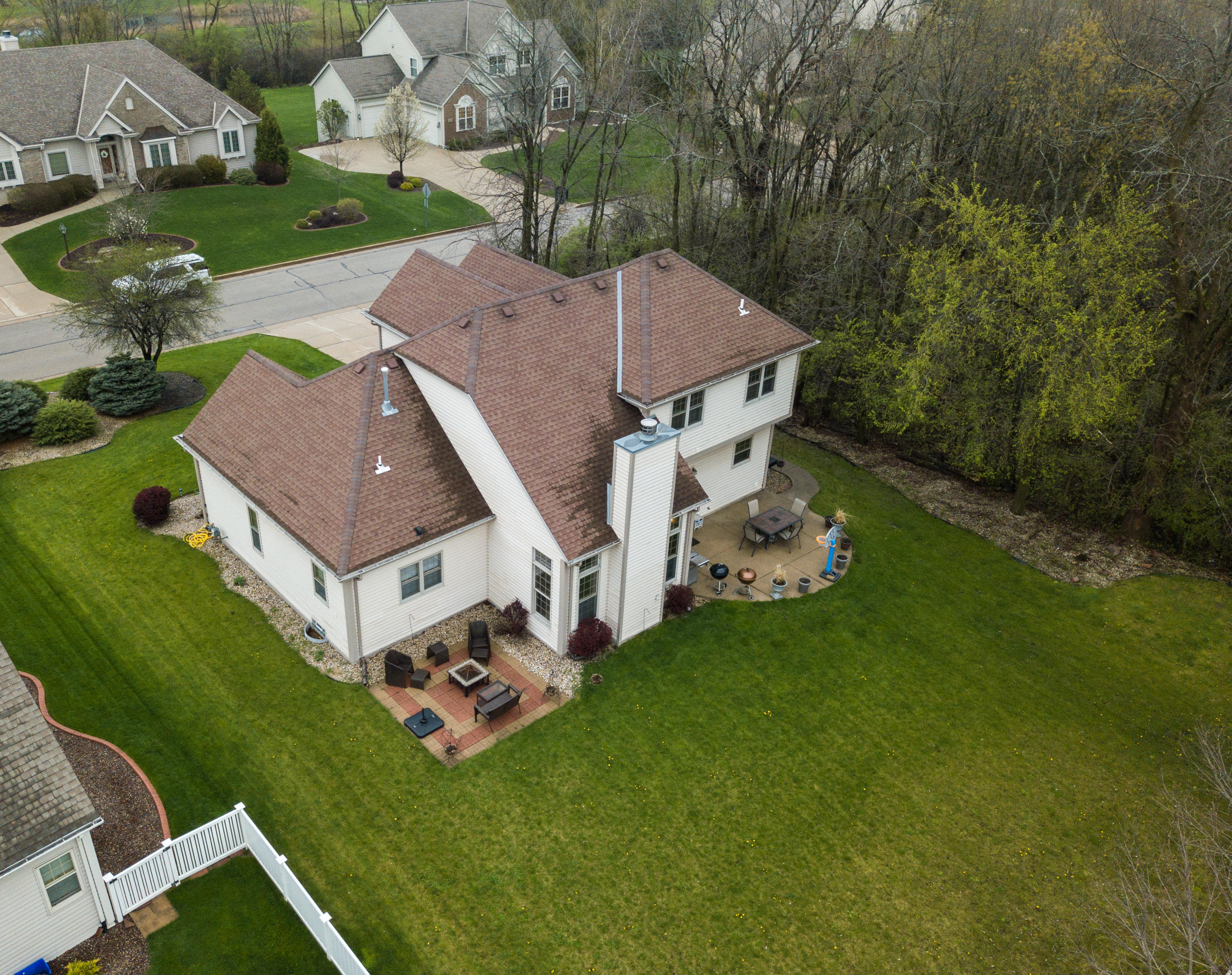 8094 Lakeview Dr, Franklin, Wisconsin 53132, 3 Bedrooms Bedrooms, 7 Rooms Rooms,2 BathroomsBathrooms,Single-Family,For Sale,Lakeview Dr,1643544