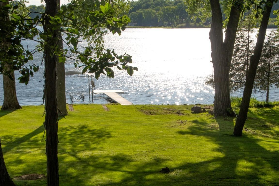 3407 Lake Dr, Delafield, Wisconsin 53029, 4 Bedrooms Bedrooms, 8 Rooms Rooms,3 BathroomsBathrooms,Single-Family,For Sale,Lake Dr,1644193
