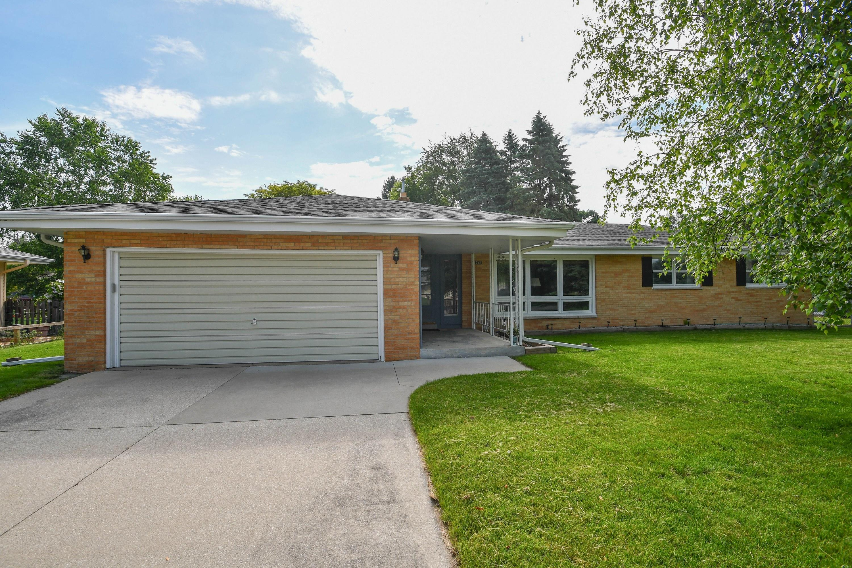 1241 Blue Dahlia Rd, Oconomowoc, Wisconsin 53066, 3 Bedrooms Bedrooms, 7 Rooms Rooms,1 BathroomBathrooms,Single-Family,For Sale,Blue Dahlia Rd,1643789
