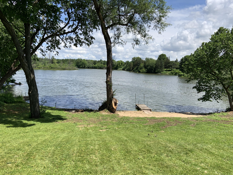 N71W35674 Mapleton Lake Dr, Oconomowoc, Wisconsin 53066, 4 Bedrooms Bedrooms, 8 Rooms Rooms,2 BathroomsBathrooms,Single-Family,For Sale,Mapleton Lake Dr,1644187