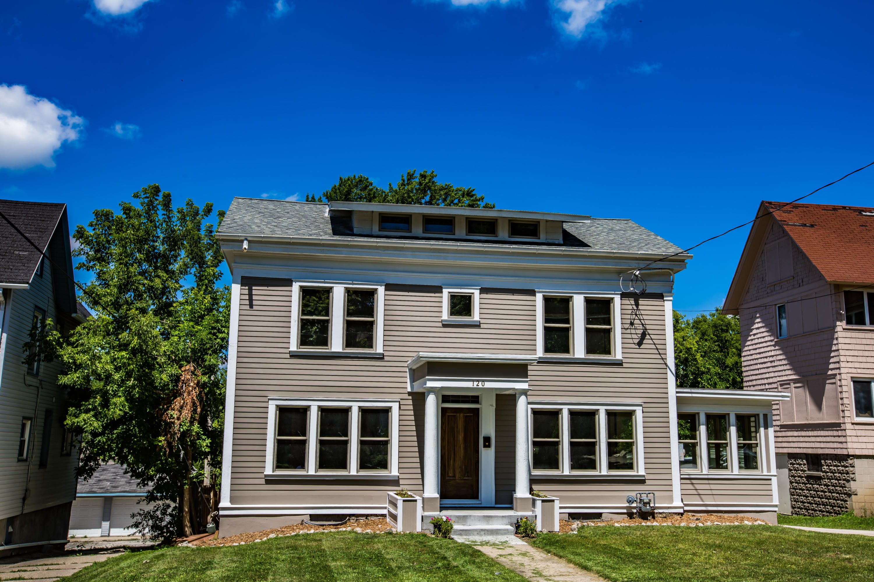 120 McCall St, Waukesha, Wisconsin 53186, 5 Bedrooms Bedrooms, 11 Rooms Rooms,2 BathroomsBathrooms,Single-Family,For Sale,McCall St,1645562